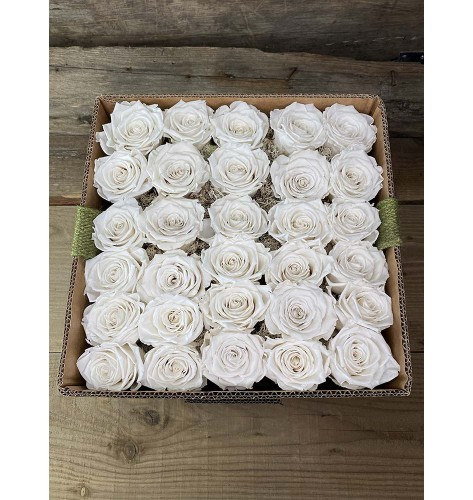 Eternal Roses Luxury Box