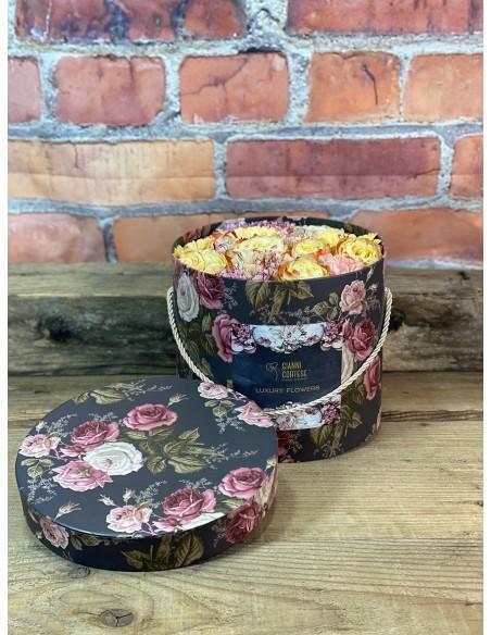 Composizione di fiori freschi misti, in box cilindrico,  H.19 -  Ø23.